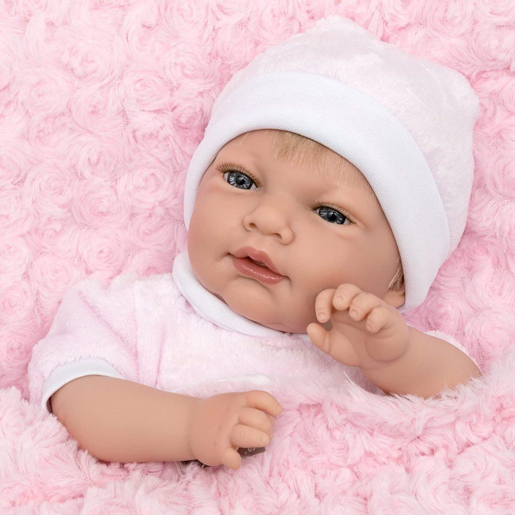 Diese reborn baby puppe hat einen süßen Vanilleduft.