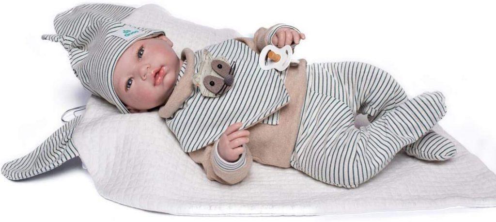 Dieses Reborn-Baby von Guca heißt Axel.