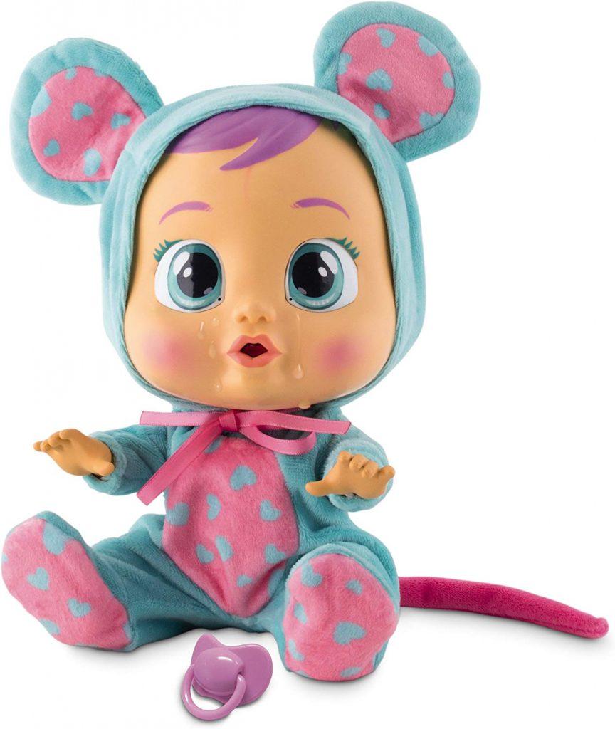 Die Puppe Cry Babies Lala hat einen wunderschönen Pyjama mit kleinen Herzen.