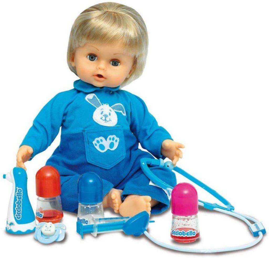 Die Cicciobello Interaktive Puppe ist krank und muss behandelt werden.