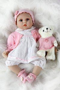 Reborn Baby Mädchen mit teddybär
