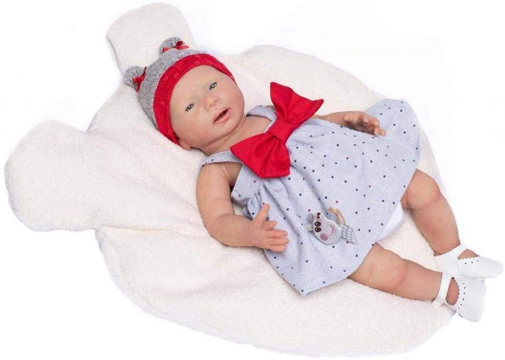 Das reborn baby silikon Ines von Guca sieht aus wie ein echtes Neugeborenes.